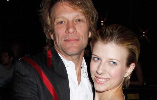 La figlia diciannovenne di Bon Jovi, Stephanie Rose, è stata arrestata a New York per possesso di droga dopo una sospetta overdose di eroina. - jon-bon-jovi-stephanie-rose-e1352928965238
