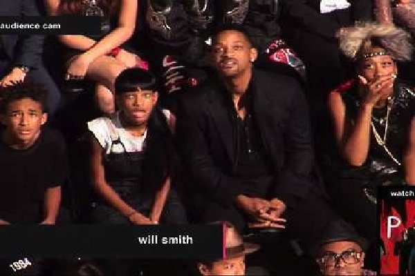 will-smith-and-his-kids-had-the-greatest-reaction-ever-to-miley-cyrus-vma-performance