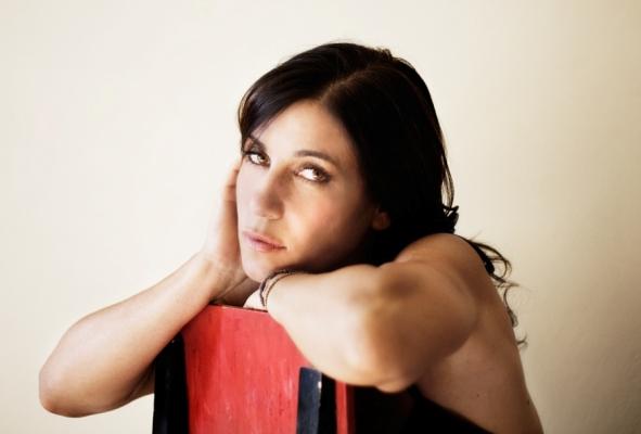 """Paola Turci in radio con il singolo """"Off Line"""""""