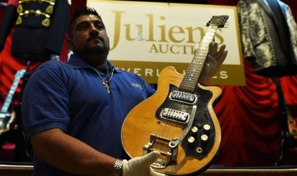 asta chitarra harrison