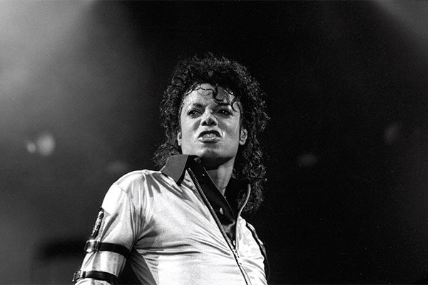 "Leaving Neverland, il regista ""Non è un film sugli abusi di Michael Jackson"""