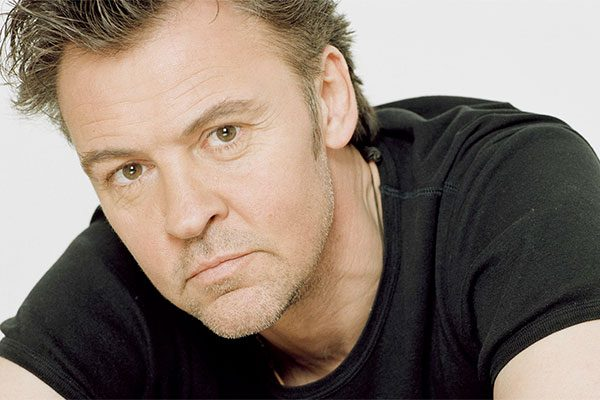Incidente stradale per Paul Young