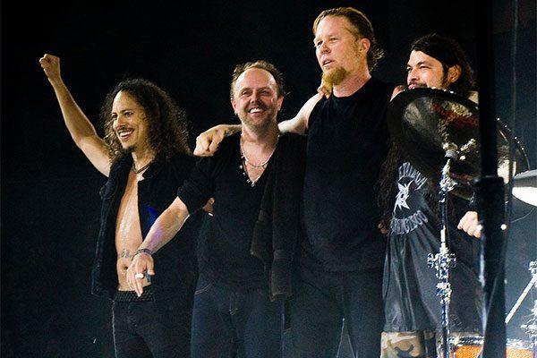 Concerti cancellati, il frontman dei Metallica scrive ai fan