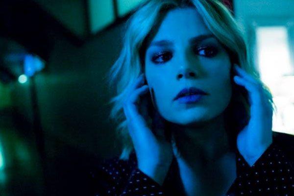 """Emma Marrone per """"Aprite i porti"""" insultata in rete"""