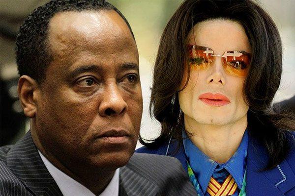 """Dichiarazioni shock dal medico di Michael Jackson """"Fu castrato chimicamente dal padre"""""""