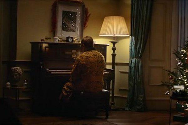 Elton John, la pubblicità di Natale con il suo addio farà commuovere chiunque